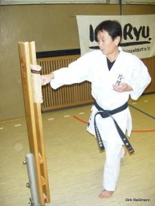 Sensei am Makiwara2